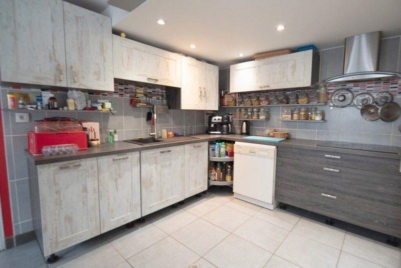 Sale house / villa St seurin sur l isle 178900€ - Picture 2