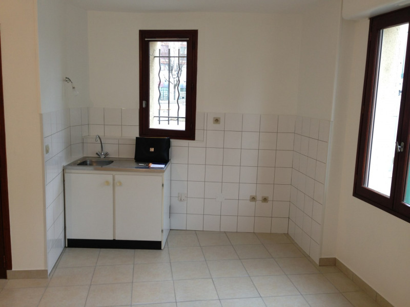 Rental apartment Saint-ouen-l'aumône 615€ CC - Picture 4