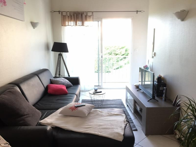 Rental apartment Ampuis 590€ CC - Picture 1