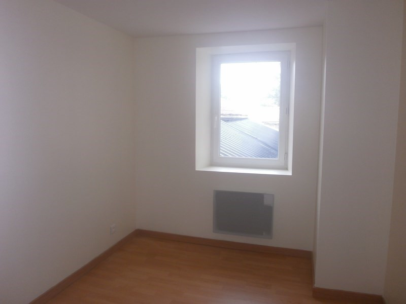 Location appartement Laissac 277€ CC - Photo 2
