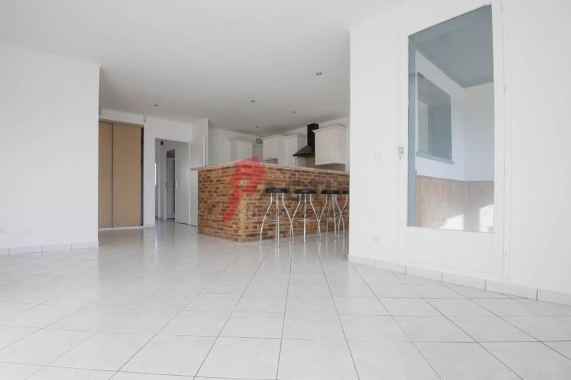 Investment property apartment Courcouronnes 134000€ - Picture 1