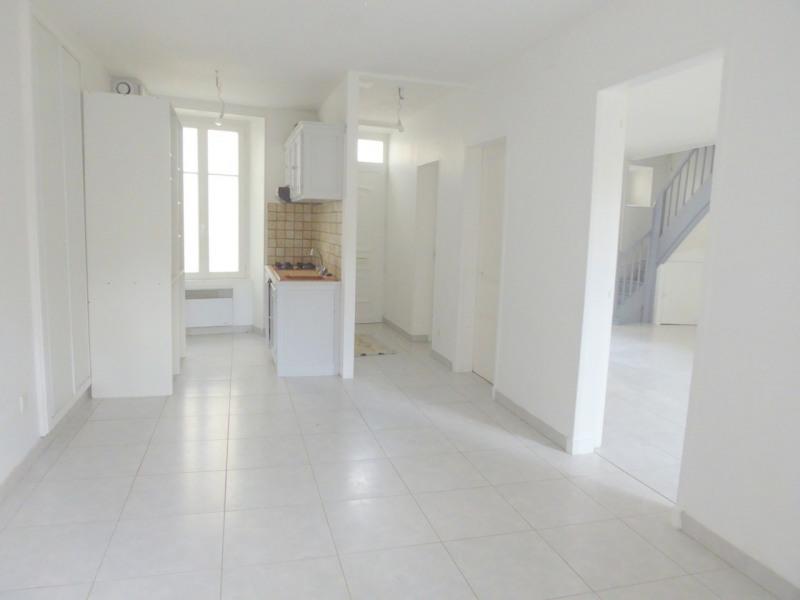 Sale house / villa Burie 112140€ - Picture 2