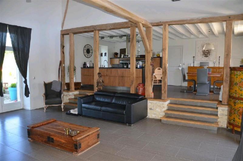 Sale house / villa Machault 405000€ - Picture 2