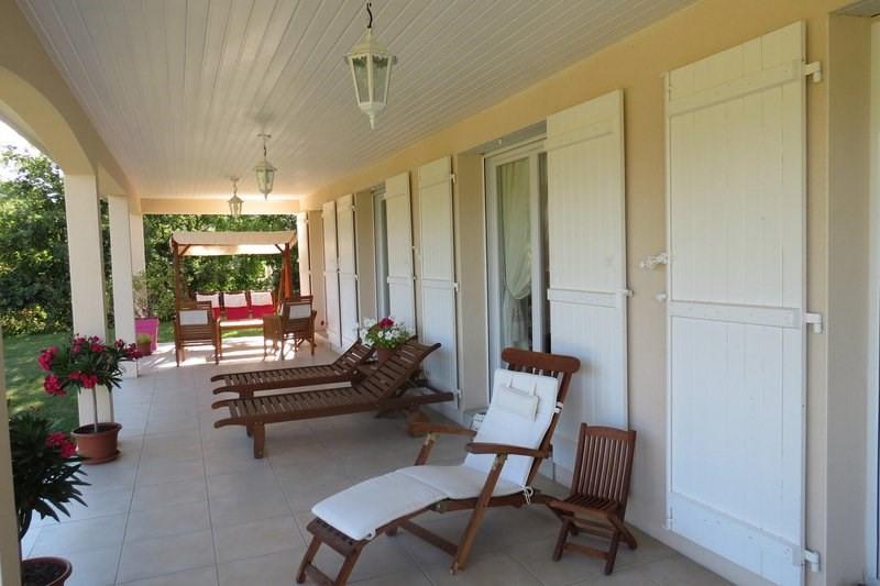 Deluxe sale house / villa Morancé 745000€ - Picture 2