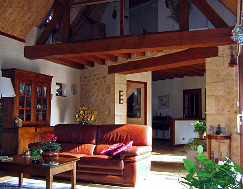 Sale house / villa Les eyzies-de-tayac-sireuil 299000€ - Picture 2