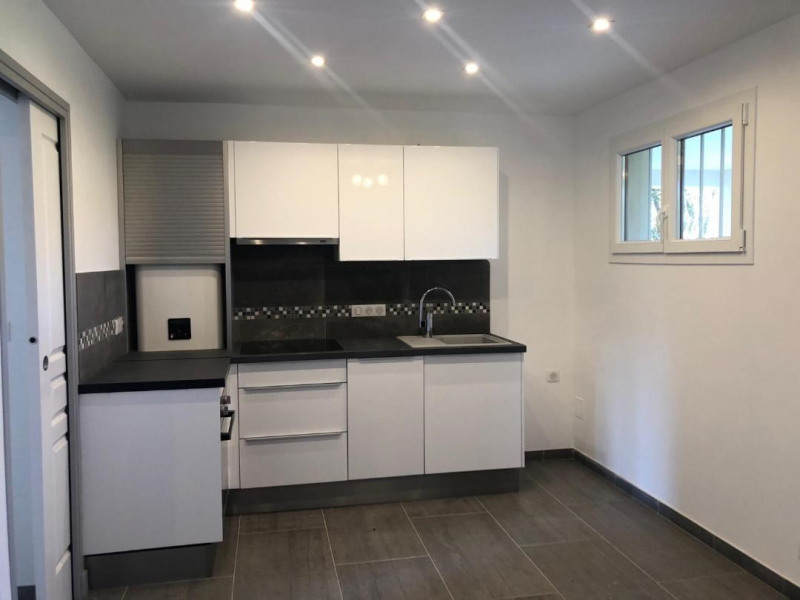 Rental apartment Cavalaire-sur-mer 880€ CC - Picture 3