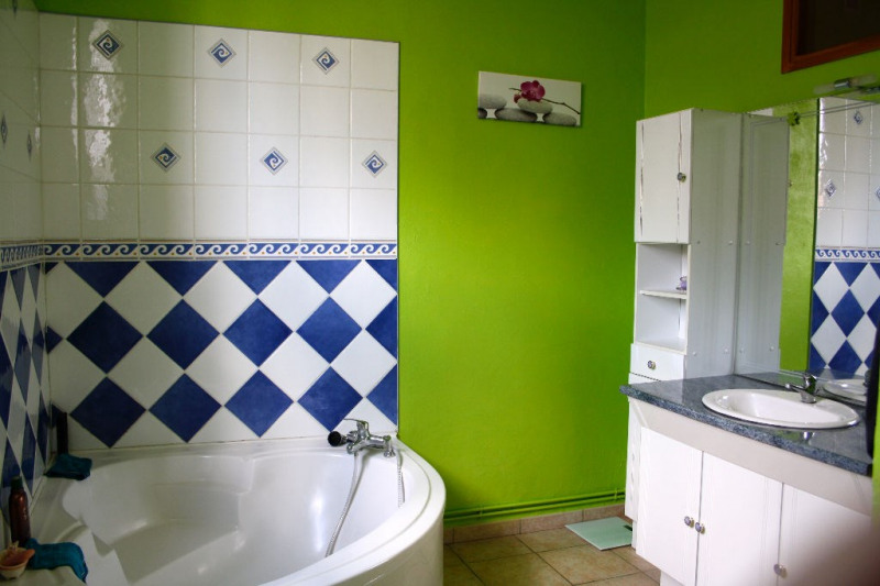 Sale house / villa Aire sur la lys 218925€ - Picture 5