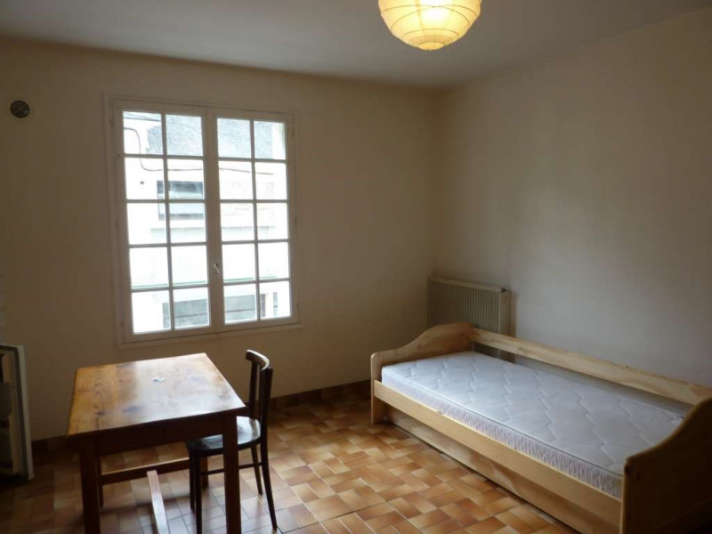 Rental apartment Pontivy 232€ CC - Picture 2
