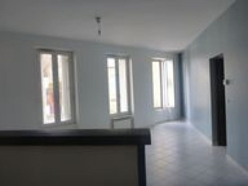 Rental apartment Ballancourt 847€ CC - Picture 3
