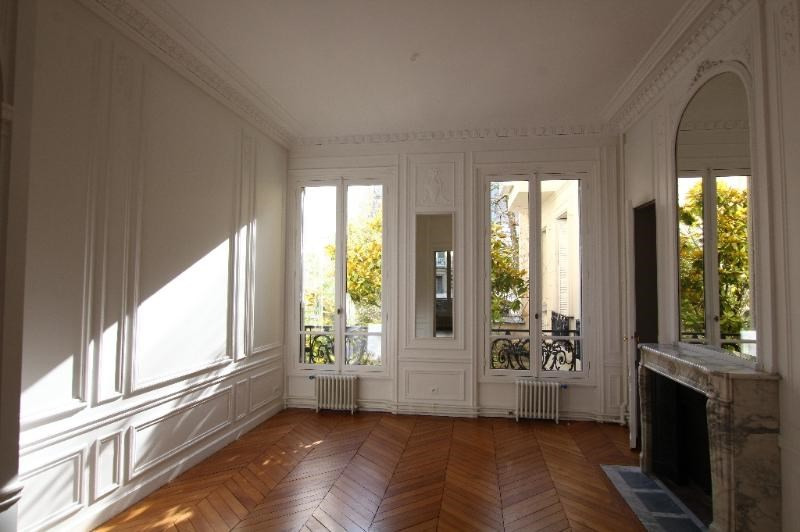 Location appartement Paris 7ème 4 570€ CC - Photo 1