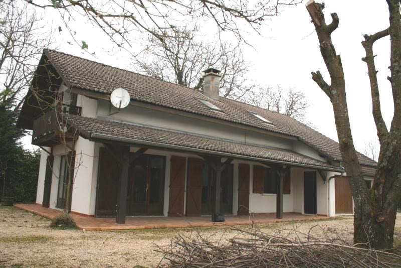 Vente maison / villa Les abrets 255000€ - Photo 2