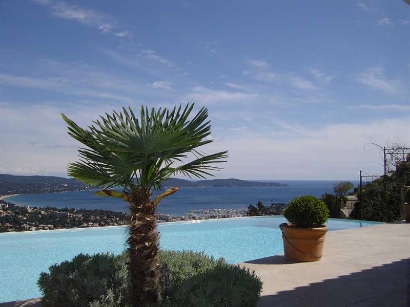 Vacation rental house / villa Cavalaire sur mer 5 500€ - Picture 2