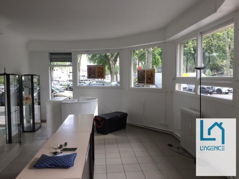 Location local commercial Paris 2 317€ HT/HC - Photo 3