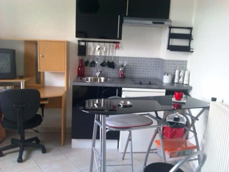 Rental apartment Royat 315€ CC - Picture 1
