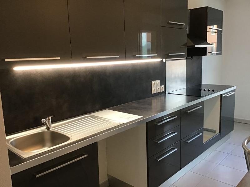 Location appartement Roquebrune-sur-argens 1030€ CC - Photo 3
