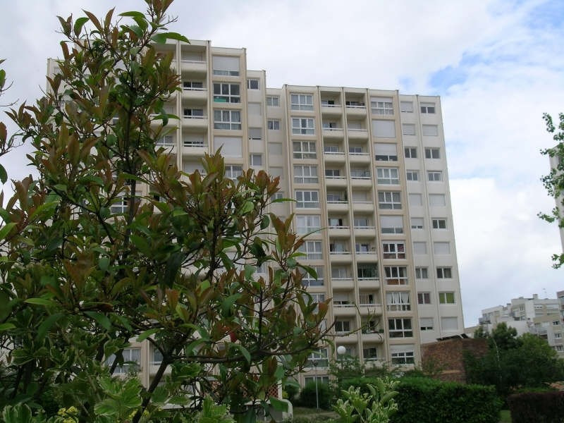 Rental apartment Chatou 1 060€ CC - Picture 1