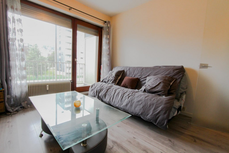 Sale apartment Chambery 77 000€ - Picture 2