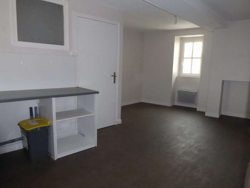 Location appartement Aubenas 394€ CC - Photo 3