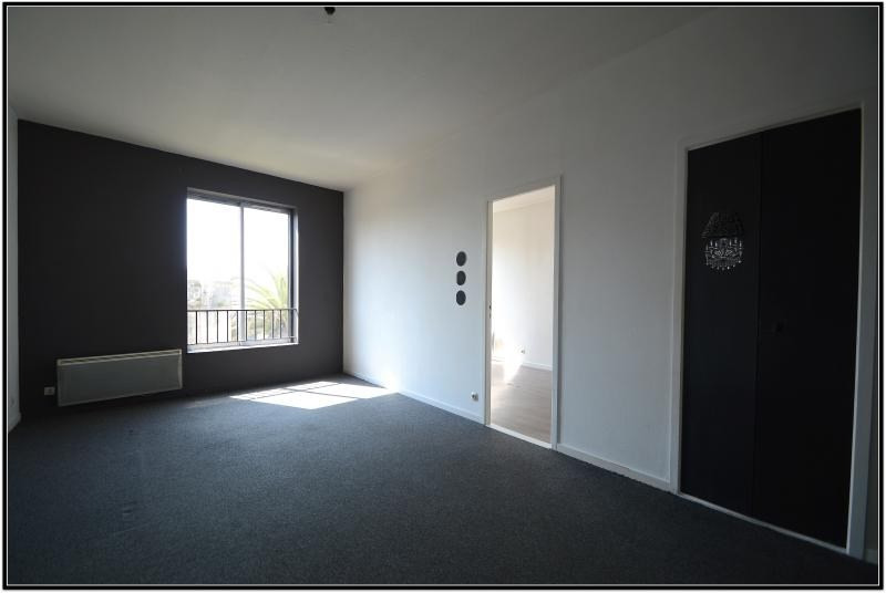 Sale apartment La rochelle 150 000€ - Picture 3