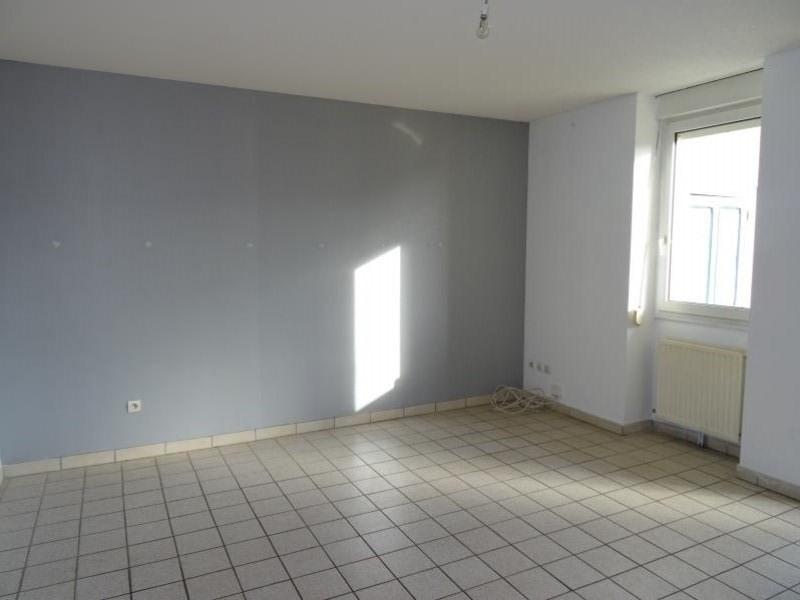 Location appartement Roanne 382€ CC - Photo 1