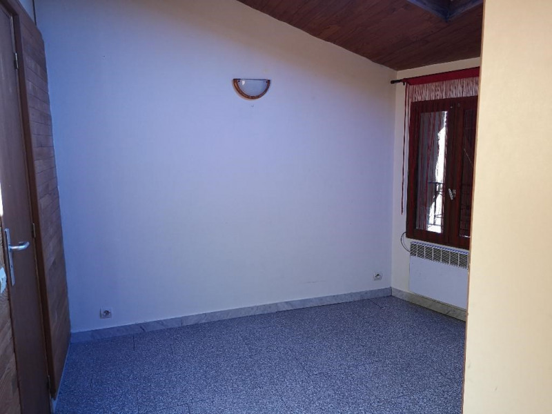 Location maison / villa Carnoules 760€ CC - Photo 5