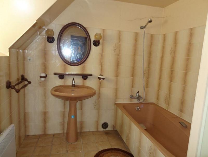 Sale house / villa Saint nicolas du pelem 110000€ - Picture 9