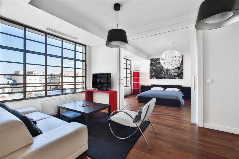 Rental apartment Paris 8ème 2700€ CC - Picture 1