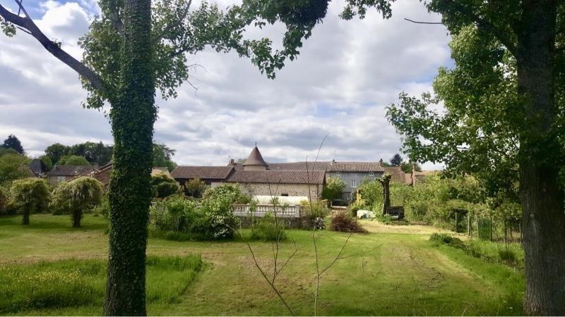 Deluxe sale house / villa Nontron 595000€ - Picture 3