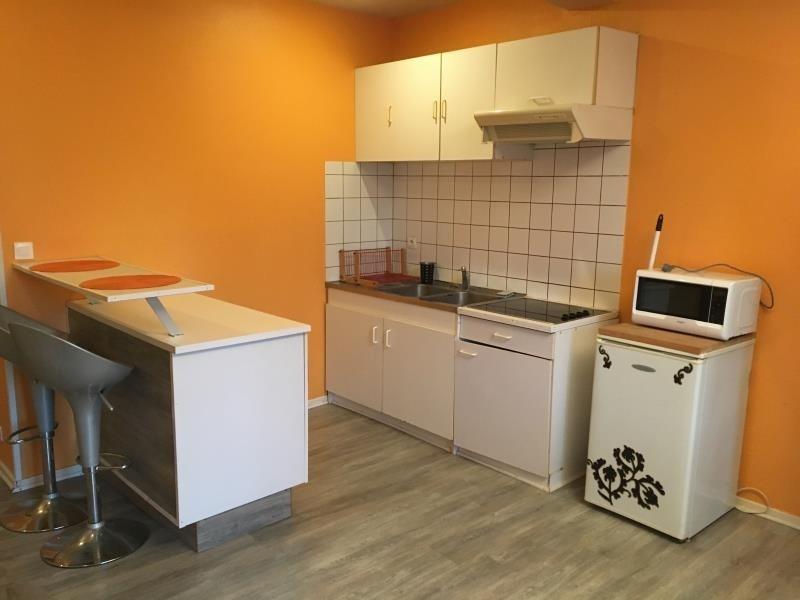 Rental apartment Vendome 337€ CC - Picture 3