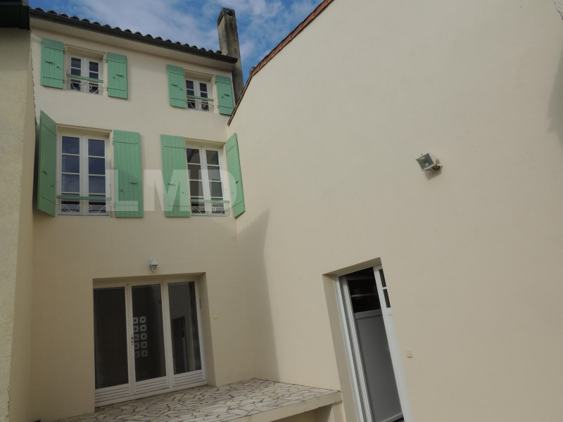 Vente maison / villa Saint-jean-d'angely 249 600€ - Photo 2