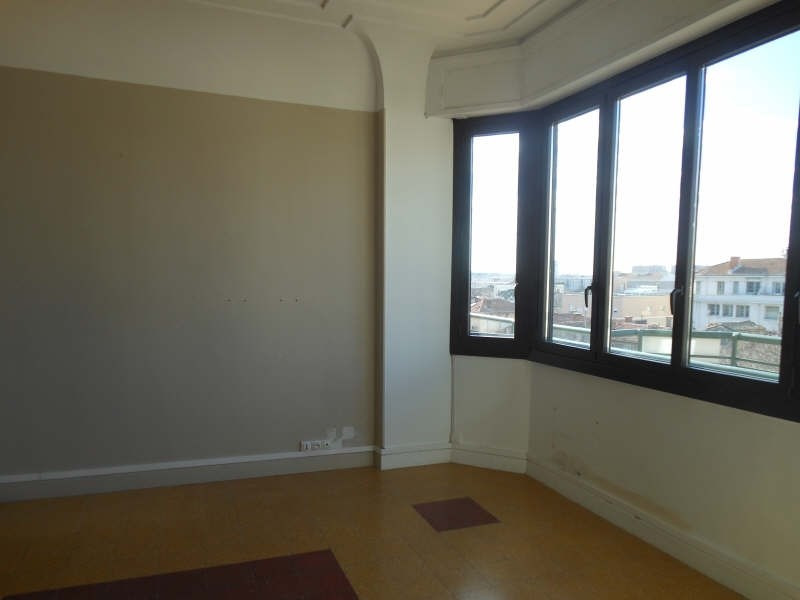 Rental apartment Nimes 745€ CC - Picture 2