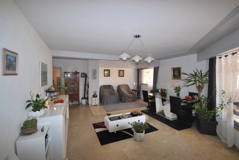 Sale apartment Antibes 410 000€ - Picture 2