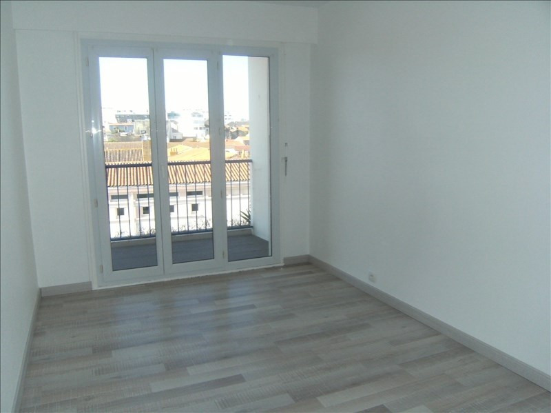 Sale apartment Les sables d olonne 203 000€ - Picture 1