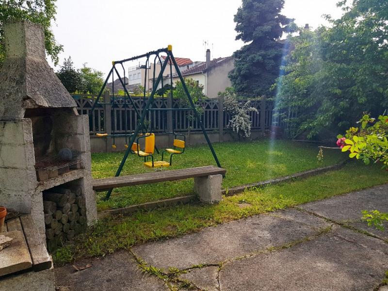 Sale house / villa Livry gargan 275000€ - Picture 3
