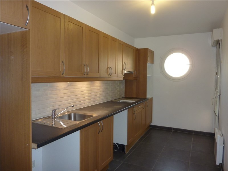 Location appartement Marseille 10ème 770€ CC - Photo 2