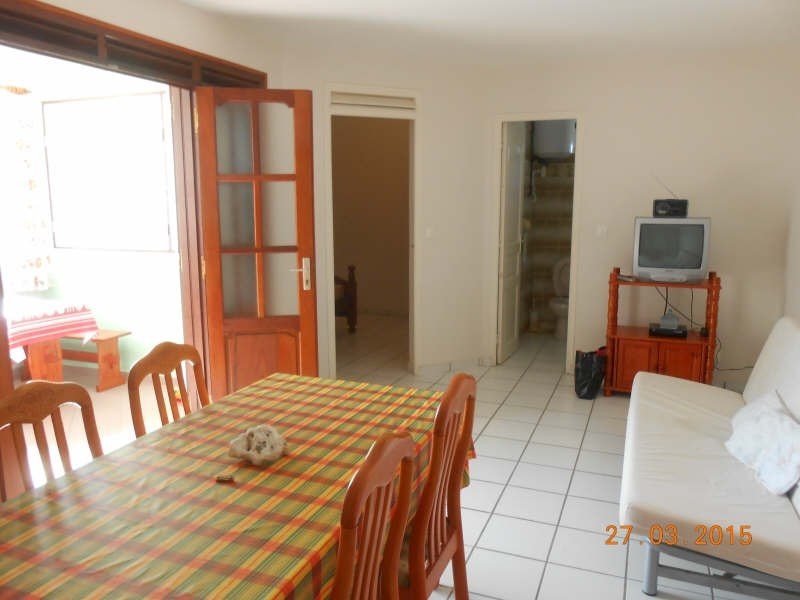 Rental apartment Ste anne 650€ CC - Picture 1