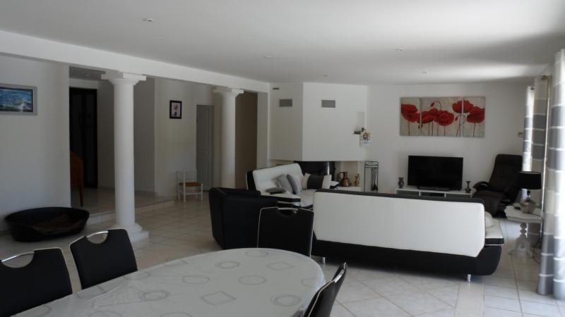 Deluxe sale house / villa La motte 691000€ - Picture 4