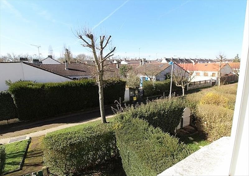 Location appartement Maurepas 775€ CC - Photo 4