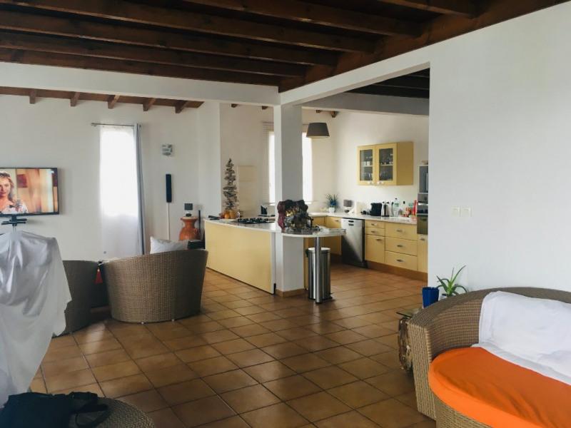Location maison / villa Saint francois 1850€ CC - Photo 3