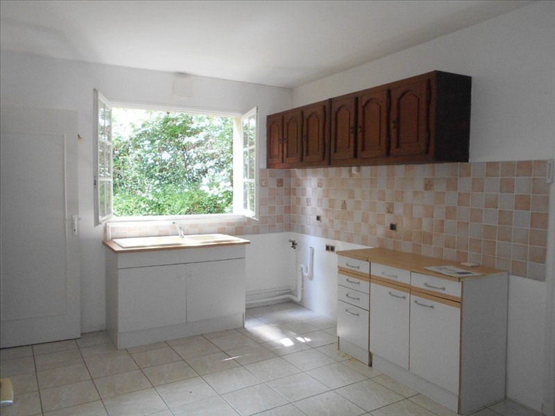 Rental apartment Le mesnil le roi 740€ CC - Picture 3