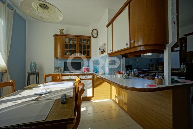 Sale house / villa Saint-clair-sur-epte 220000€ - Picture 5