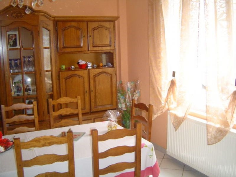 Rental house / villa Saint quentin 545€ CC - Picture 5