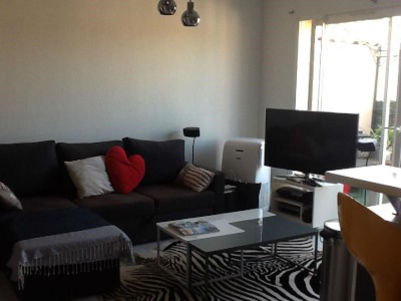 Rental apartment Cabries 1 002€ CC - Picture 3