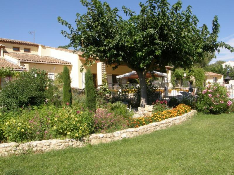 Deluxe sale house / villa Saint cannat 733950€ - Picture 2