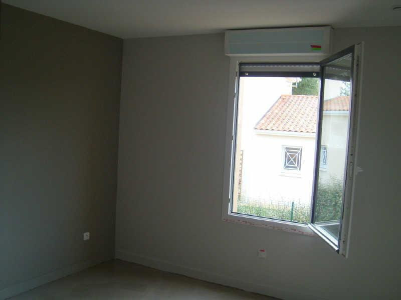 Location maison / villa Puymoyen 670€ CC - Photo 16