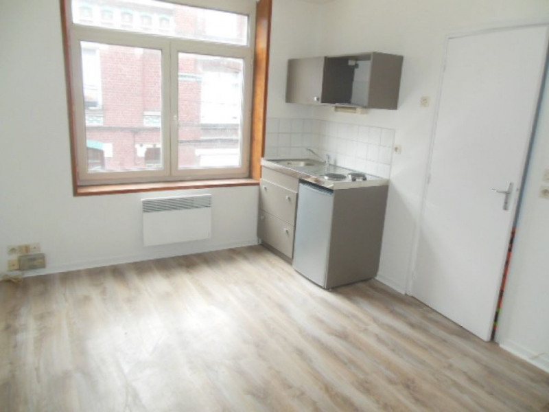 Rental apartment Lille 430€ CC - Picture 1