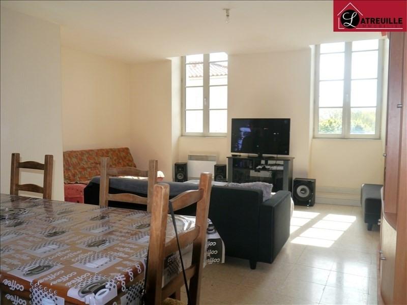 Location appartement Gemozac 350€ CC - Photo 1