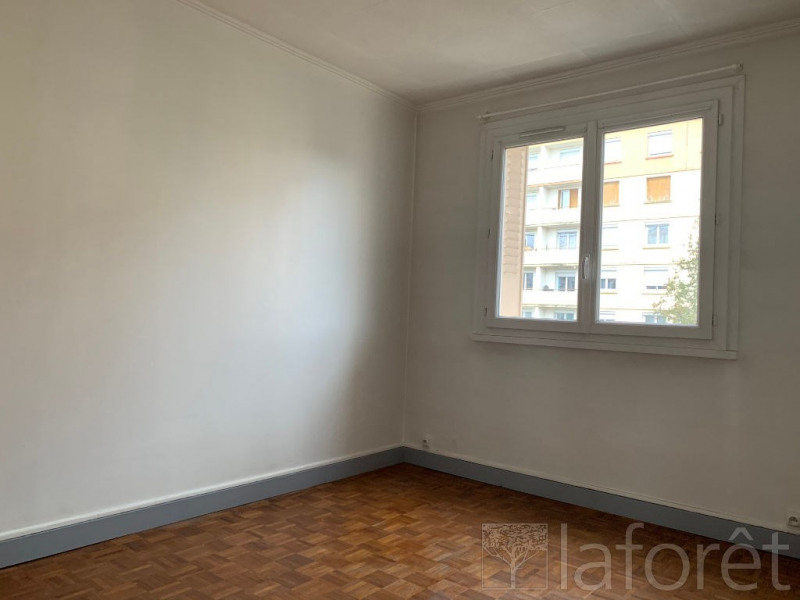 Rental apartment Bourgoin jallieu 605€ CC - Picture 4