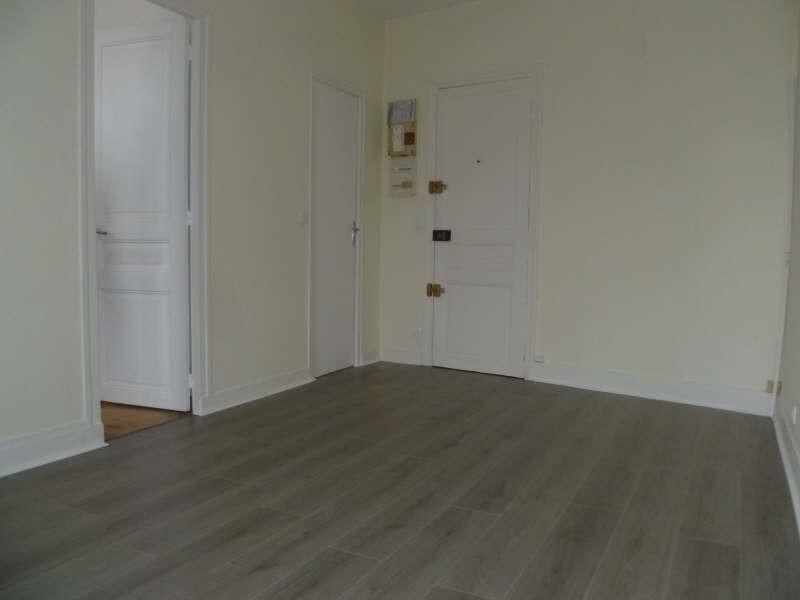 Rental apartment Asnieres sur seine 604€ CC - Picture 2