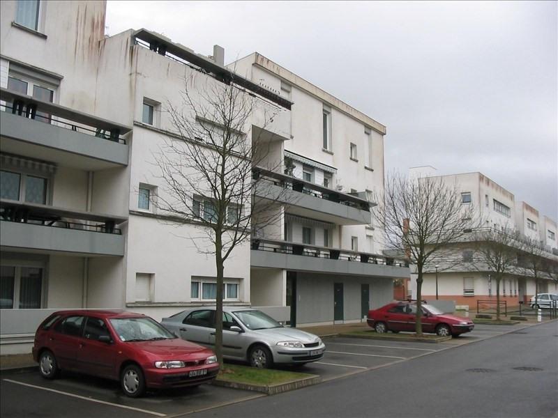 Rental apartment Les ulis 922€ CC - Picture 1